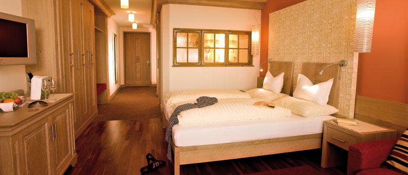 austria_seefeld_hotel-schoenruh_bedroom2.jpg